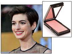 Anne Hathaway, stunning wearing Jouer's Peach Bouquet blush at the SAG awards