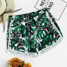 horts outfits, Summer shorts, Casual outfits and casual outfit ideas, Cute outfits, Shorts for summer, Style inspiration, summer outfits, Summer outfit ideas, spring outfits, floral print shorts, Pom pom shorts