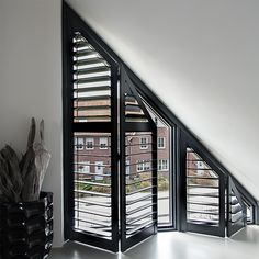 Various types of curtains can be chosen to cover the window and decoration. For slanted windows, one of the curtains that is suitable for use is a blind curtain Gable Window, Roof Window, Attic Window, High Windows, Blinds For Windows, Curtains With Blinds, Triangle Window, Horizontal Blinds, Industrial House