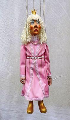 string puppet , marionette