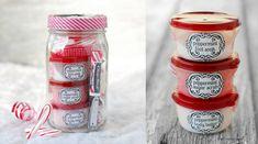 Yummy Christmas gift idea in a mason jar! >> 10 DIY Mason Jar Christmas Gift Craft Ideas