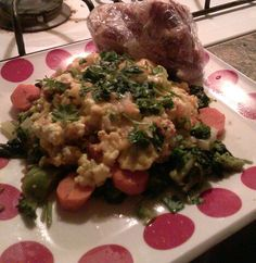 #gourmet #breakfast at moms #eggs #spinach #parsley #onions #carrots #kale and #buttered #toast.