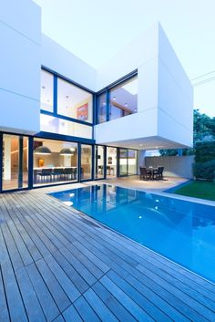 White Cubes House by at26 04