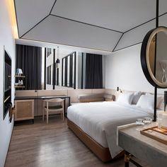 modern hotel Stunning luxury interior design ideas for modern boutique hotels. Contemporary Stairs, Contemporary Apartment, Contemporary Interior, Contemporary Building, Contemporary Office, Contemporary Style, Contemporary Cottage, Contemporary Chandelier, Contemporary Landscape