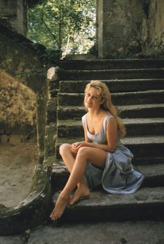 Rare and Beautiful Color Photos of Brigitte Bardot Photographed by Mark Shaw in 1958