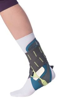 VACOtalus - Ankle Brace Optimized combination of effective stabilization and superb wearing comfort. Excellent grip around the ankle area thanks to cushion. Slim design to allow it to be worn easily inside a shoe. Ankle Sprain Recovery, Ankle Arthritis, Orthotics And Prosthetics, Ankle Surgery, Sprained Ankle, Walking Boots, Achilles, Health Advice, Braces