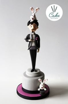 The Magician - Cake by Etty Beautiful Cakes, Amazing Cakes, Magician Cake, Wedding Cake Toppers, Wedding Cakes, Funny Cake, Sculpted Cakes, Fondant Figures, Sugar Art