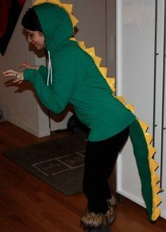 A Dinosaur - 27 Halloween Costumes for Elementary School Teachers Diy Dinosaur Costume, Dino Costume, Dragon Costume, Costume Ideas, Awesome Costumes, Fairy Halloween Costumes, Adult Costumes, Halloween Fun, Dinosaur Halloween