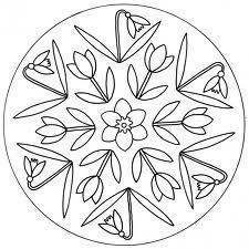 Mandala di primavera. I Mandala sono schemi o rappresentazioni simboliche tradizionali del buddismo e dell'induismo. Hanno spesso la forma di un cerchio. Si dice che dipingere mandala sia molto efficace per il rilassamento...