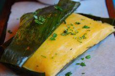 Hallacas Vegetarianas    INGREDIENTES PARA LA MASA INTEGRAL ·    2 tazas de harina integral de maíz (500 gr) · 2 cucharadas de linaza (90 gr) · 2 tazas de caldo de vegetales (480 ml) · 2 cucha