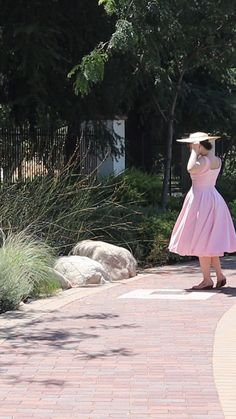 @sincerelysamanthalee wearing The Pretty Dress Company #vintagestyle #vintage #pinupstyle #modernvintage #vintageclothes The Pretty Dress Company, Vintage Outfits, Vintage Fashion, Pin Up Style, Pretty Dresses, Pretty In Pink, Tulle, Skirts, How To Wear