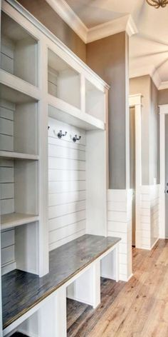 Farmhouse decorating ideas I LOVE - mudroom entryway foyer room with shiplap and wood floors - modern AND country rustic! Country Farmhouse Decor, Farmhouse Style Decorating, Architectural Design House Plans, Mudroom, Decoration, Decorating Ideas, Decor Ideas, Diy Ideas, New Homes