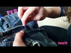 Fixing Your Broken Zipper Is Sew Easy! At one side of the zipper cut a notch at the base. Then re-thread the zipper onto the track. Sow up the area that you created the notch. Sewing Hacks, Sewing Crafts, Sewing Projects, Diy Projects, Sewing Room Storage, Sewing Blouses, Quilt Labels, Easy Youtube, Diy For Men