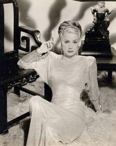 June Havoc (sister of Gypsy Rose Lee) in high 1940'sstyle  -via screengoddess