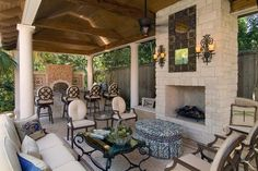 Hypnotic houston tx outdoor kitchen design with red brick for Asid gulf coast chapter