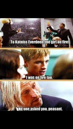 Lol haha funny pics / pictures / Hunger Games Humor / Peeta / Katniss / Haymitch Informations About Lol haha funny pics / pictures / Hunger Games Humor / Peeta / Katniss / Haymitch Pin You can easily Hunger Games Memes, The Hunger Games, Divergent Hunger Games, Hunger Games Fandom, Hunger Games Catching Fire, Hunger Games Trilogy, Hunger Games Haymitch, Catching Fire Quotes, Lol