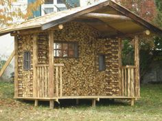 You can stack firewood so nicely sauna privacy screen Cute Small Houses, Cordwood Homes, Tiny Cabins, House Made, Outdoor Storage, Firewood, Shed, Outdoor Structures, House Design