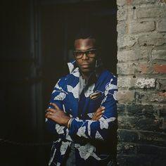 www.cewax.fr aime ce look homme en pagne wax africain, afro tendance, style ethnique. Trouvez des Teeshirt en pagne dans la boutique de CéWax : http://cewax.alittlemarket.com #wax, #ankara, #kente, #kitenge, #bogolan, #Africanfashion, #ethnotendance, #AfricanPrints