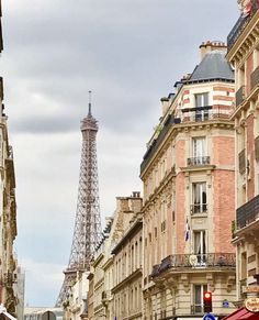 M Wanders into Paris: Her Photo Gallery – Where Gals Wander