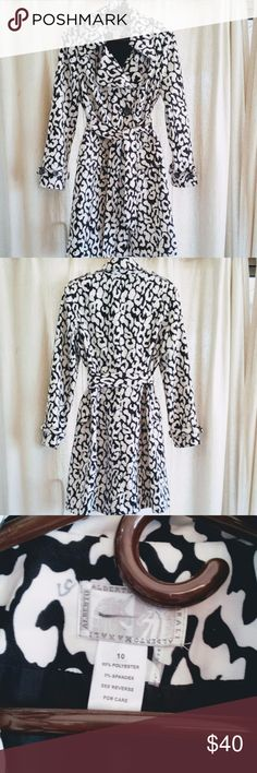 Alberto Makali Woman's coat dress EUC Sz 10 Beautiful and stylish black and white coat (or coat dress) by Alberto Makali. This is a size 10, is 95% polyester and 5% spandex, fully lined, and is in excellent used condition. There are some gray markings in back neck area by label (may come out with cleaning) which do not affect beauty!  Awesome alone with classy jewelry or with a favorite scarf. If you are  concerned about the size please ask for measurements before purchasing.  My goal is…