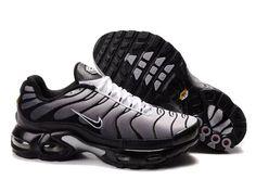 Nike Air Max TN Requin Pas Chere Chaussures De Homme ARGENT ET NOIR Taille:40,41,42,43,44,45,46