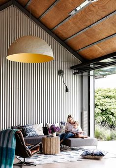 THE SHED, Gerroa - holiday hire. A yearning for a beach retreat on the NSW South Coast turned into a cool shed home – and the owners couldn't be happier. Check it out! Cool Sheds, Tin House, Casas Containers, House Ideas, Shed Homes, Australian Homes, Australian Sheds, Australian Architecture, Beach House Decor