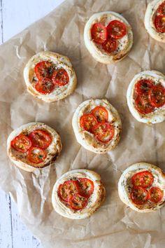 Butterdejshapsere Med Pikantost Og Tomat - Lækker Snack