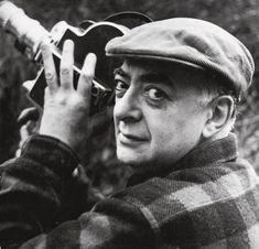 Portrait de Brassaï avec la caméra, 1955.