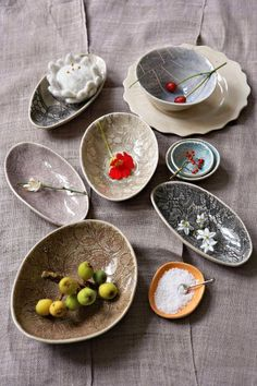 Lace tableware