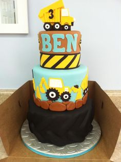 Construction Cake -- Aidan would love this! He'd probably spend the whole time trying to peel off the trucks though, I'm sure :) Construction Birthday Parties, Construction Party, Boy Birthday Parties, 4th Birthday, Birthday Ideas, Cupcakes, Cupcake Cakes, Truck Cakes, Tonka Truck Cake
