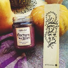 Image of BOOK-LOVER BUNDLE - Bookmark & Soy Candle