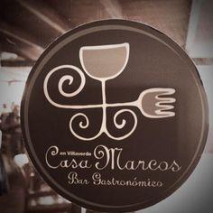 """Casa Marcos  Carretera General, 94 Villaverde  Molt a prop de Lajares, restaurant de menjar local mes cuidat (i mes car). Has de demanar uns """"Huevos amarrados""""."""