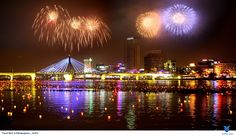 Lễ hội này có rất nhiều các màn trình diễn pháo hoa của cac đội đến từ Anh, Trung Quốc, Ý và Hàn Quốc và cũng giống như lễ hội diễn ra năm ngoái, năm nay sẽ có thêm nhiều hoạt động văn hóa phục vụ nhu cầu của khách tham quan. Xem thêm: http://tourdulichhanquoc.info/le-hoi-phao-hoa-seoul-pn.html