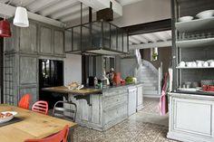 Isola e idea per struttura cappa riprendendo stile vetrate