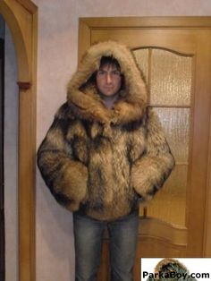 shuba_iz_enota_50-54_muzhskaya-146 Fur Bomber, Mens Fur, Shearling Coat, Fur Fashion, Good Looking Men, Fur Collars, How To Look Better, Men Sweater, Fur Jackets