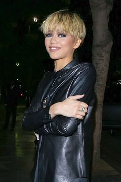 10 Pixie Haircuts That Will Make You Want to Chop, Chop - All For Bob Hair Trending Pixie Haircut Styles, Short Pixie Haircuts, Haircuts With Bangs, Pixie Hairstyles, Celebrity Hairstyles, Hairstyle Short, Hairdos, Short Blonde Pixie, Edgy Short Hair