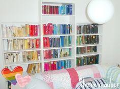 RegenbogenBücherRegal / Rainbow bookshelf