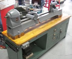 Delta Manufacturing Co. - Wood Lathe 1460