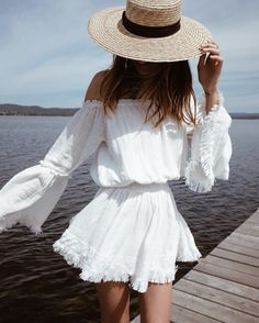 I N S T A G R A M @EmilyMohsie | flowy bohemian style white dress with straw boater hat | summer outfit inspiration | casual beach outfit
