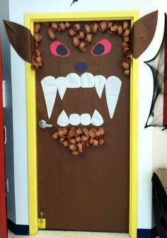 Ware wolf door at school Ware wolf door at school Diy Halloween Door Decorations, Halloween Classroom Door, School Door Decorations, Halloween Door Hangers, Scary Decorations, Halloween Math, Holidays Halloween, Halloween Crafts, Witch Decor