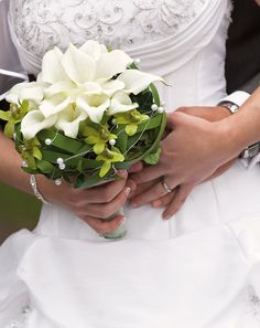- Brautsträuße Creme und Weiß