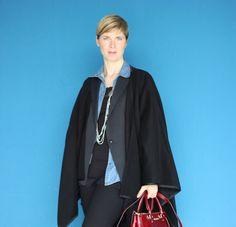 Schwarz und Blau - für mich eine wundervolle Farbkombination... http://www.ahemadundahos.de/wie-trage-ich-schwarz-und-blau-zusammen/