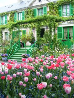 Giverny ~ famous impressionist painter Claude Monet lived in this village Beautiful Places To Visit, Great Places, Places To See, Paris Travel, France Travel, Omaha Beach, Monet Garden Giverny, Giverny France, Garden Pavilion