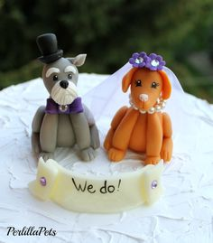 Sneak peek of our custom cake topper that Perlilla Pets handmade. SO awesome. This pretty much sums up our pooches. Huge thank you to this talented artist. Check her out on Pinterest!