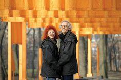 In questi giorni non si parla d'altro che dei pontili arancioni di Christo e Jeanne-Claude sul Lago d'Iseo. Ma quali sono le opere precedenti della coppia?