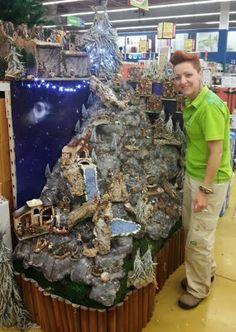 Christmas Village Display, Christmas Town, Christmas Villages, Christmas Nativity, Christmas Crafts, Christmas Ornaments, Christmas Centerpieces, Christmas Decorations, Halloween Village