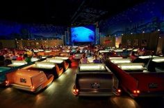 The Dine-In Theater at Disneyworld - Twitter / Fascinatingpics.  Best. Place. Ever.