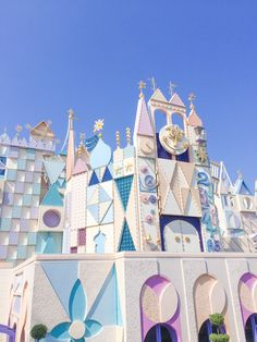 It's a Small World Hong Kong Disneyland, Disneyland World, Disneyland Paris, Disney Love, Disney Magic, Disney Art, Walt Disney, World Wallpaper, Disney Wallpaper