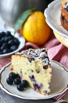 Lemon Blueberry Ricotta Tea Cake with extra blueberries Blueberry Tea, Blueberry Desserts, Healthy Desserts, Sweet Recipes, Cake Recipes, Dessert Recipes, Tea Cakes, Cupcake Cakes, Cupcakes