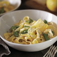 The delicate flavor of leeks provides the perfect flavor base for a spring vegetable pasta. A generous amount of fresh lemon zest and black pepper elevates the dish.